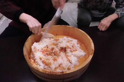 豪快にちらし寿司