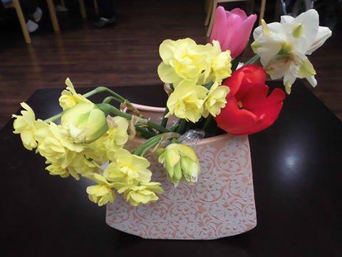 「家族と生け花」